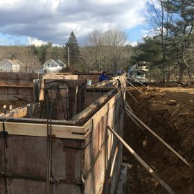 Pouring the foundation walls (4).